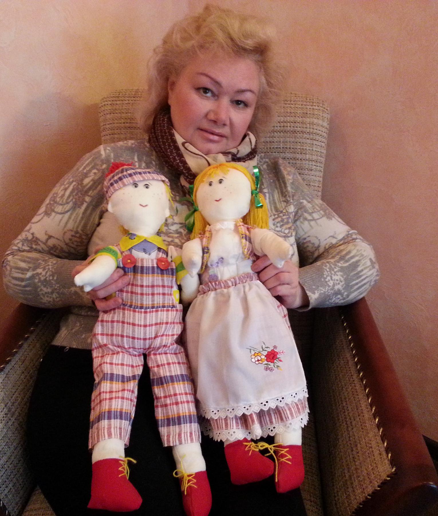 Автор с куклами