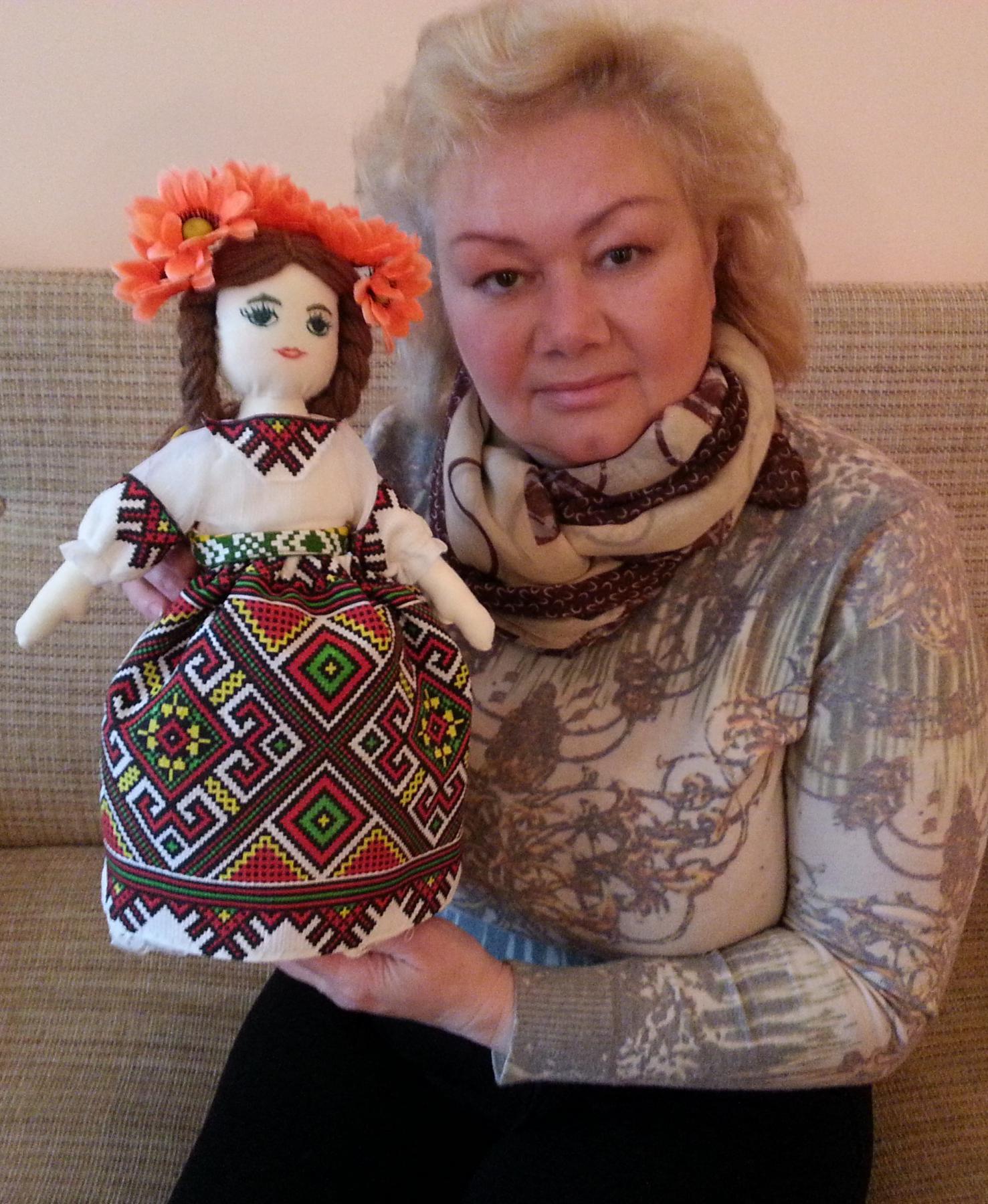 Автор с куклой