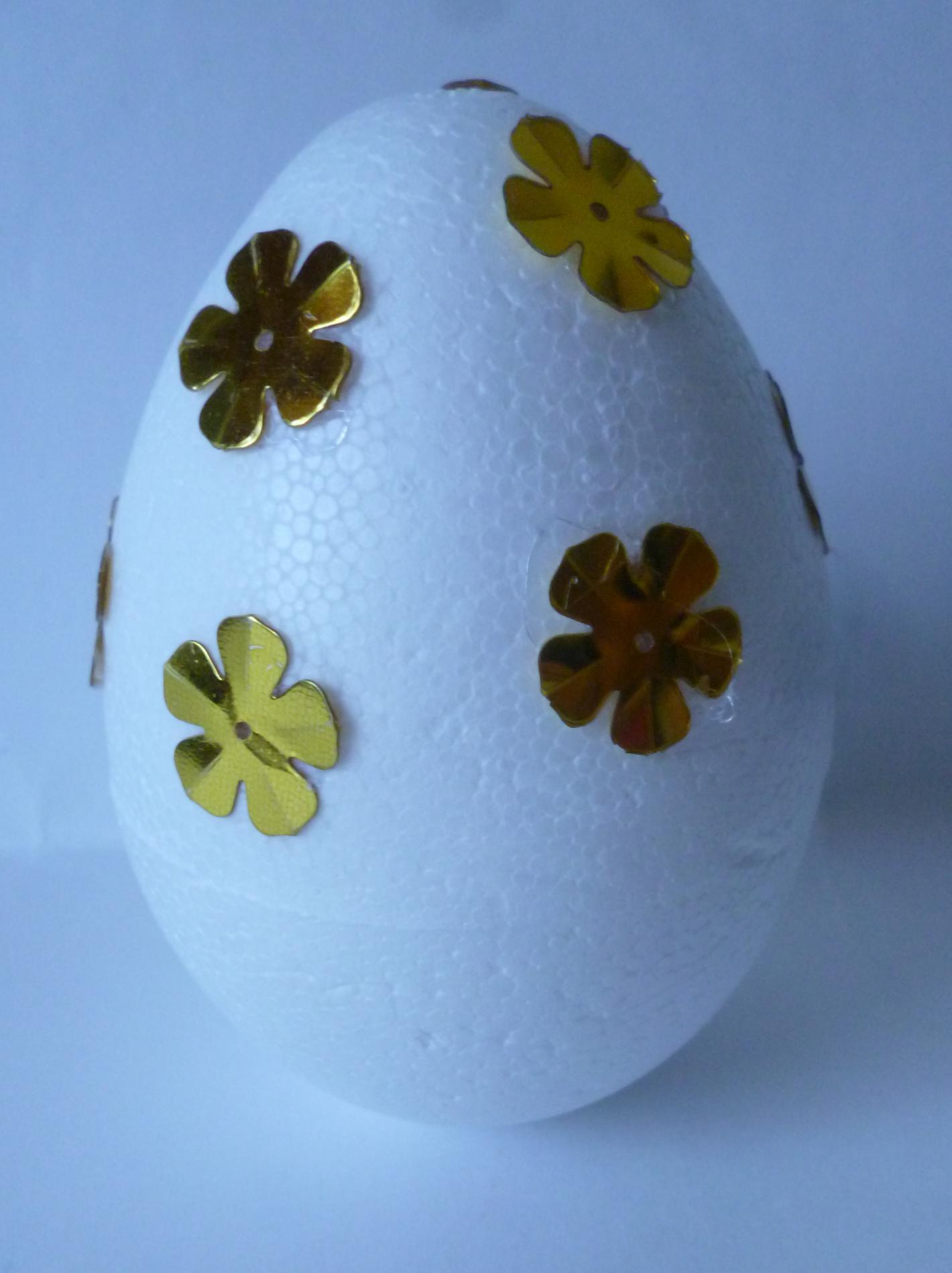 Украсить яйца своими руками фото