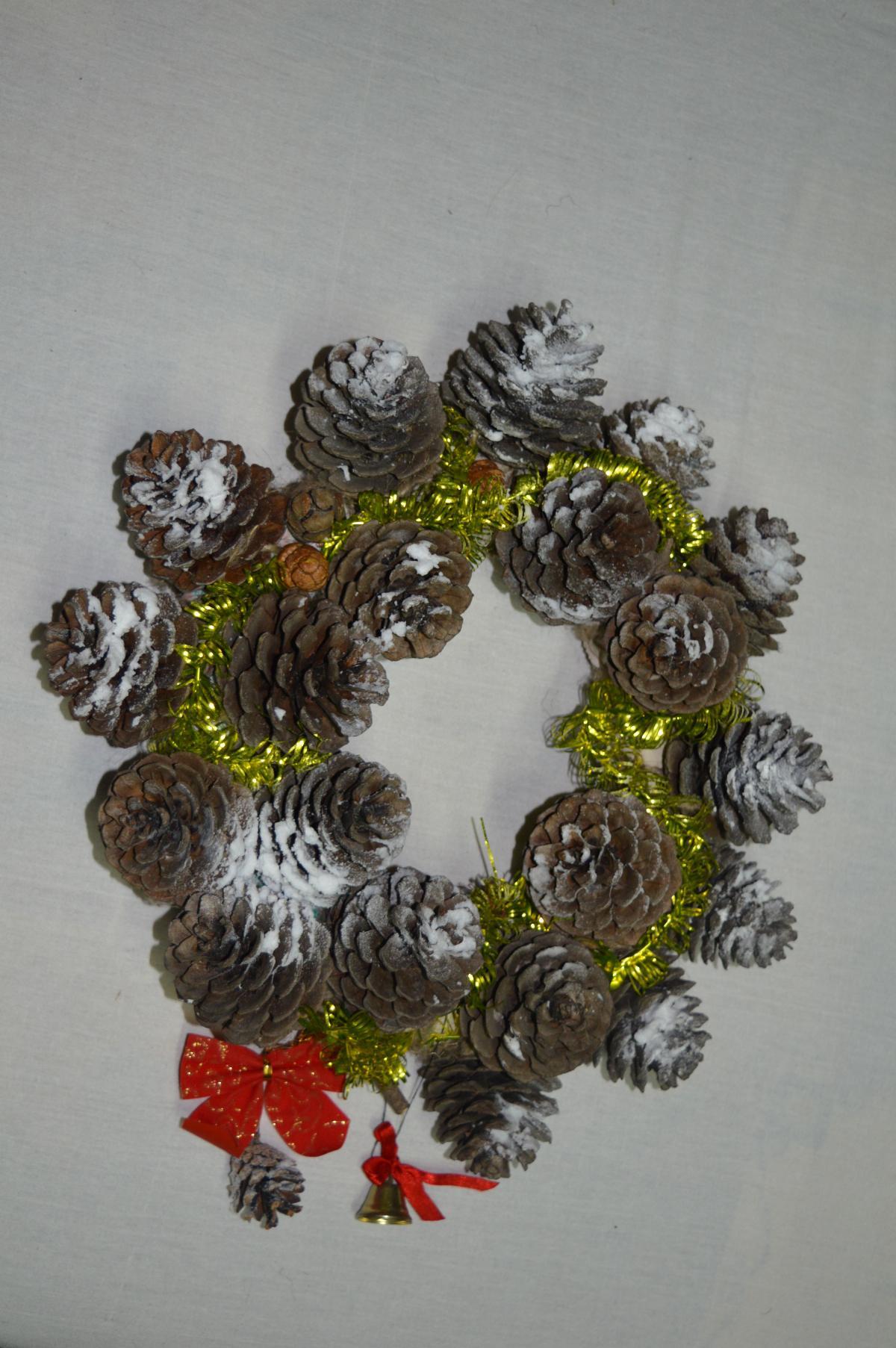Сувениры из шишек своими руками