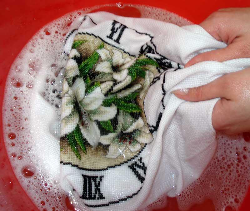 Как постирать и погладить вышивку 54