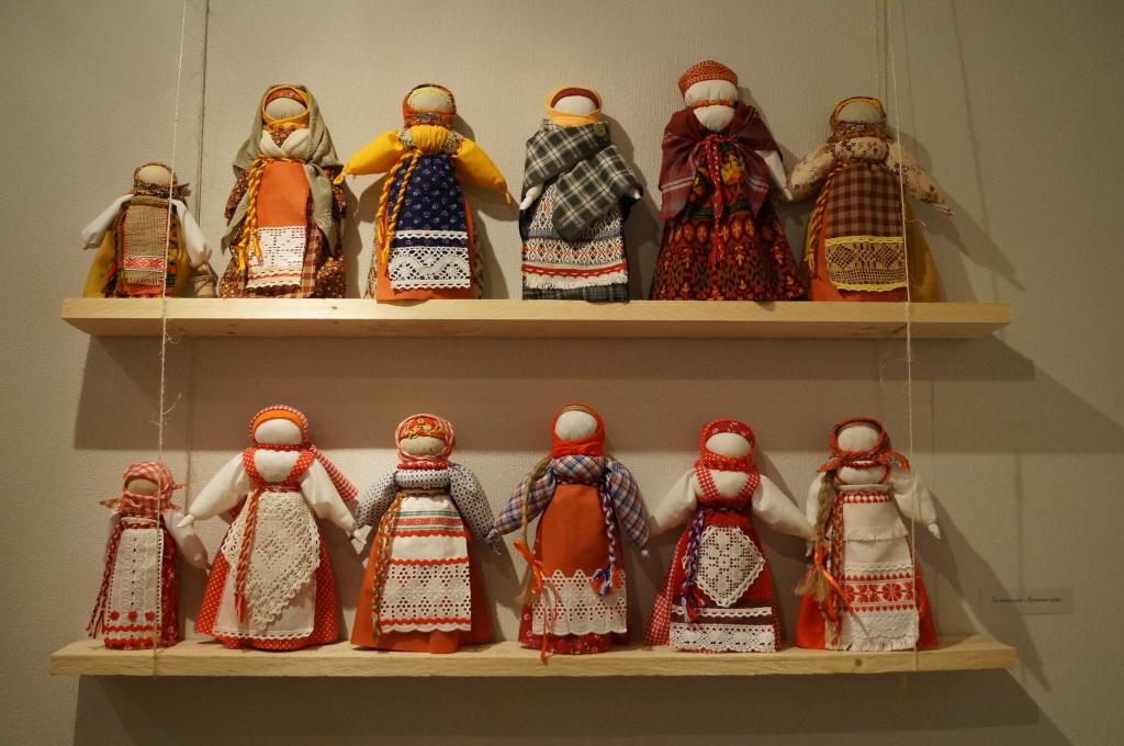 Куклы карельской мастерицы Маргариты Керн. Фото с персональной выставки