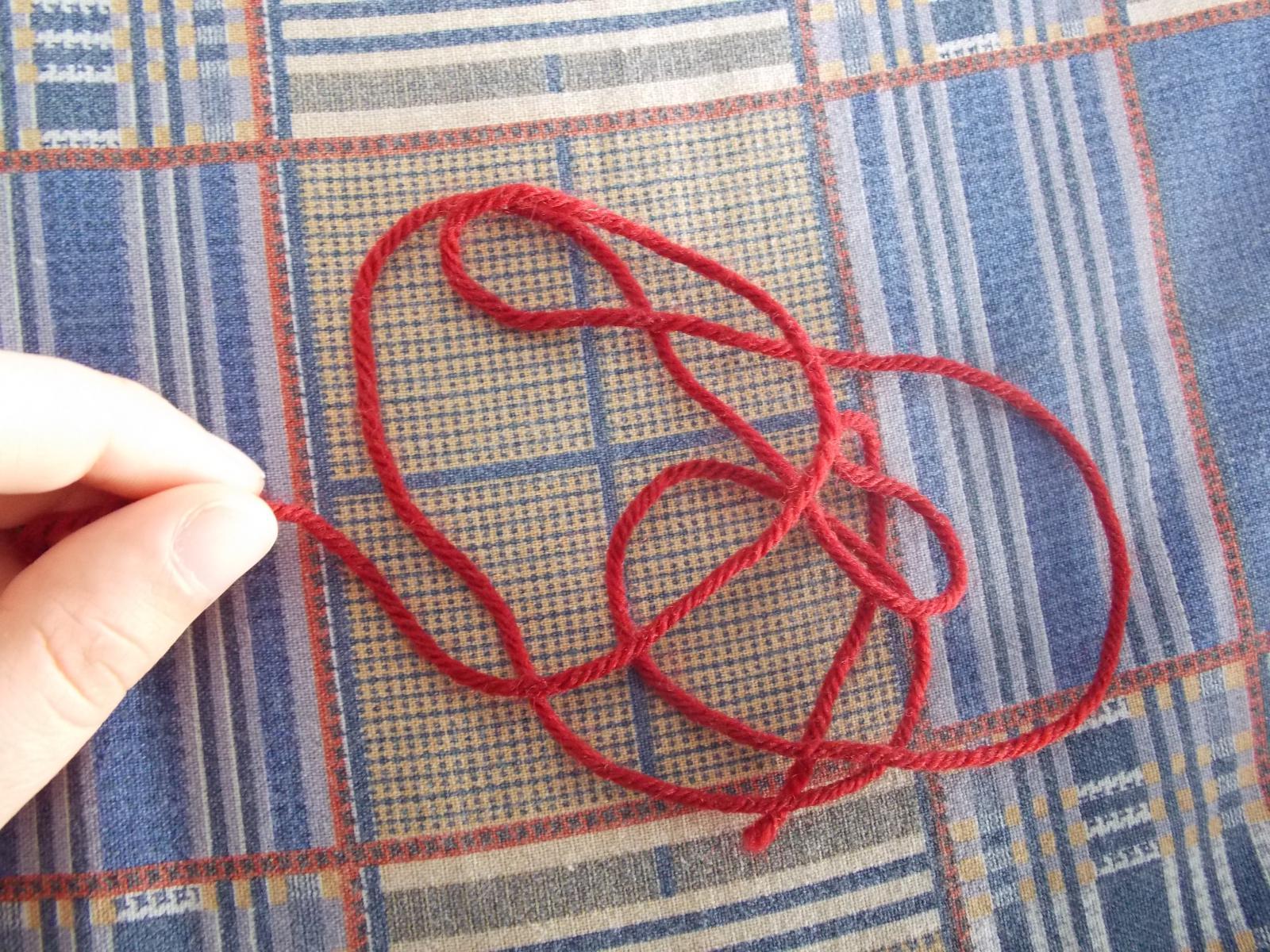 Как убрать нитку в вязании спицами
